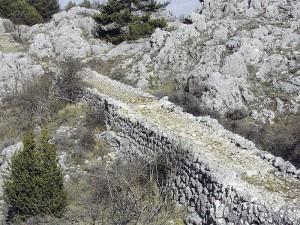 Chemin clapier - Alpes Maritimes ; photo DR
